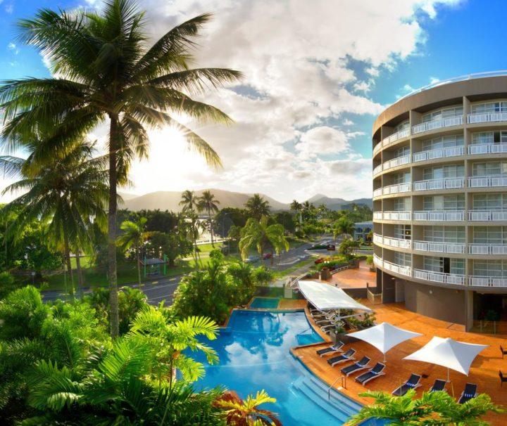 DoubleTree by Hilton Cairns Esplanade